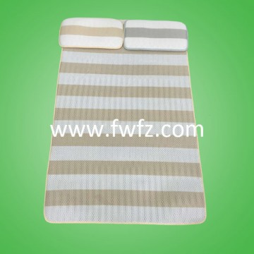 Two-color stripe spacer fabric baby mattress pad